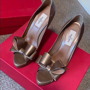 Valentino pump. Size 37 1/2